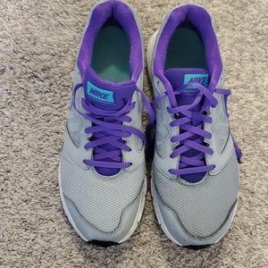 Womens Nike size 10
